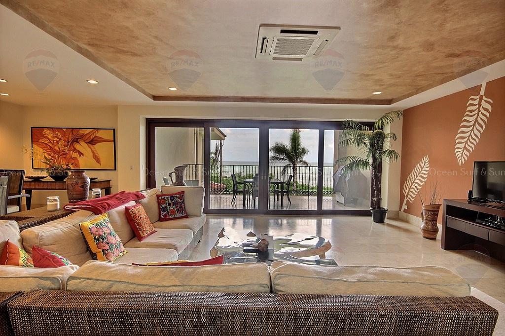 Crystal Sands 204, Beachfront condo, Playa Langosta, Costa Rica