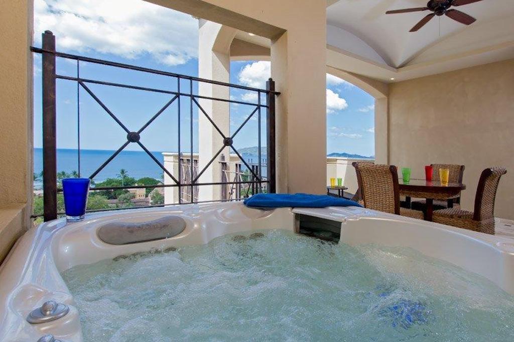 Diria-701-ocean-views-penthouse