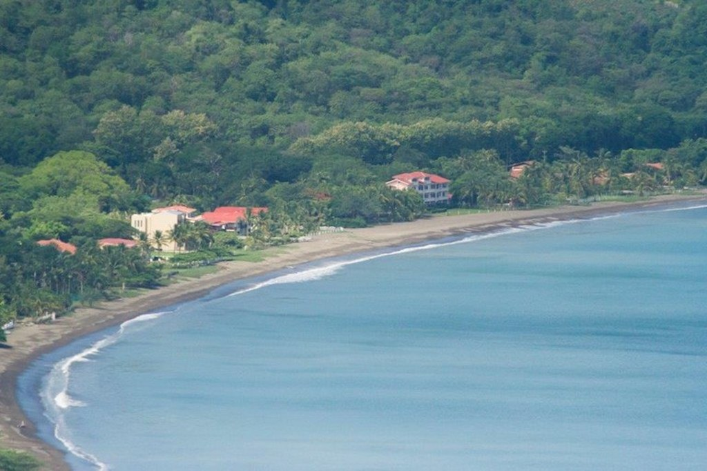 Casa-serenity-playa-potrero-two-bedrooms-proximity-to-beach-tamarindo-surf-retirement-investment-vacation-guanacaste-costa-rica