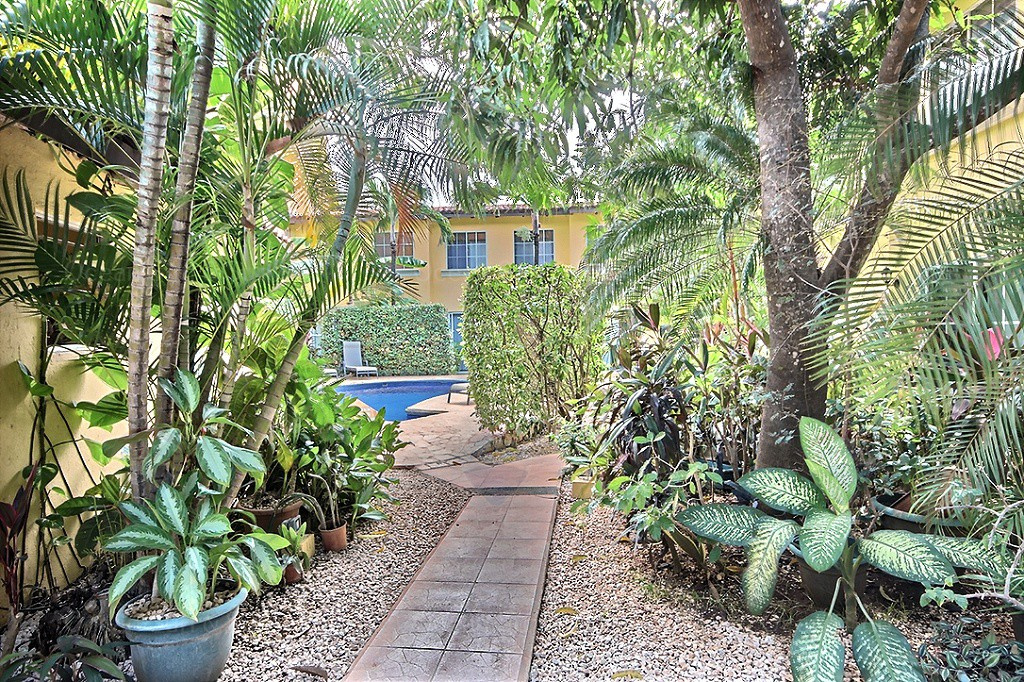 Sand-dollar-unit-four-rental-investment-vacation-residence-retirement-property-playa-tamarindo-surf-guanacaste-costa-rica