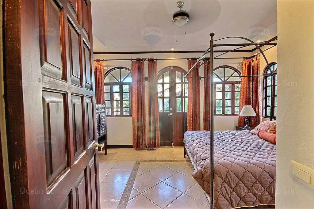 Pueblo-colonial-2-bed-home-tamarindo
