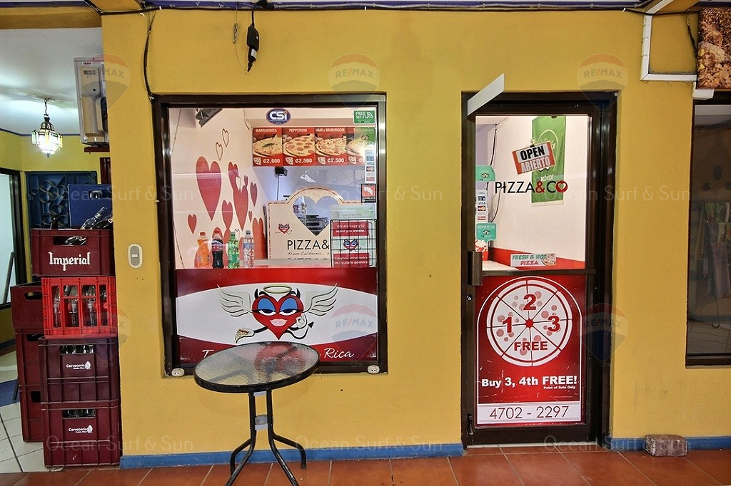 Pizza-and-co-best-pizzeria-express-in-tamarindo