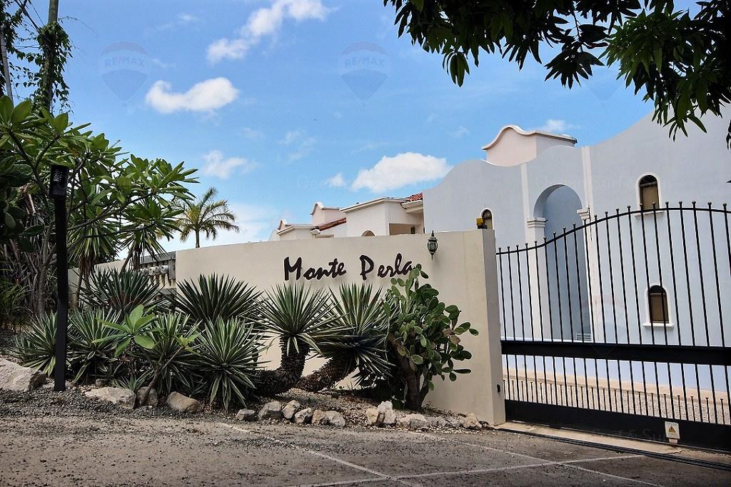 Monte-Perla-playa-tamarindo