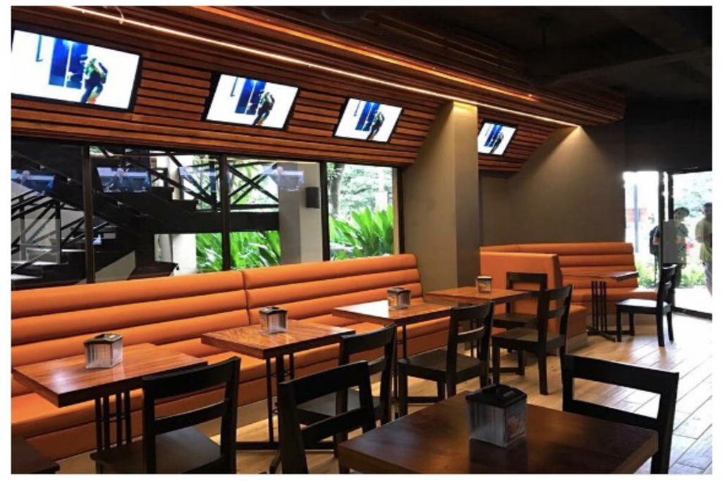 lizard-lounge-bar-nightlife-investment-playa-tamarindo-guanacaste-costa-rica