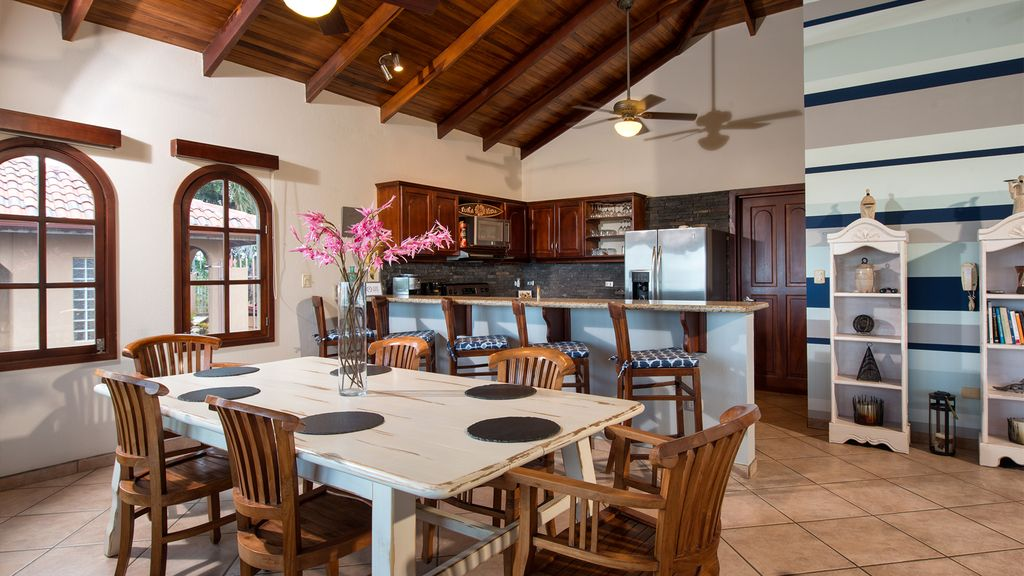 Villa Mirador - ocean view home in Playa Tamarindo