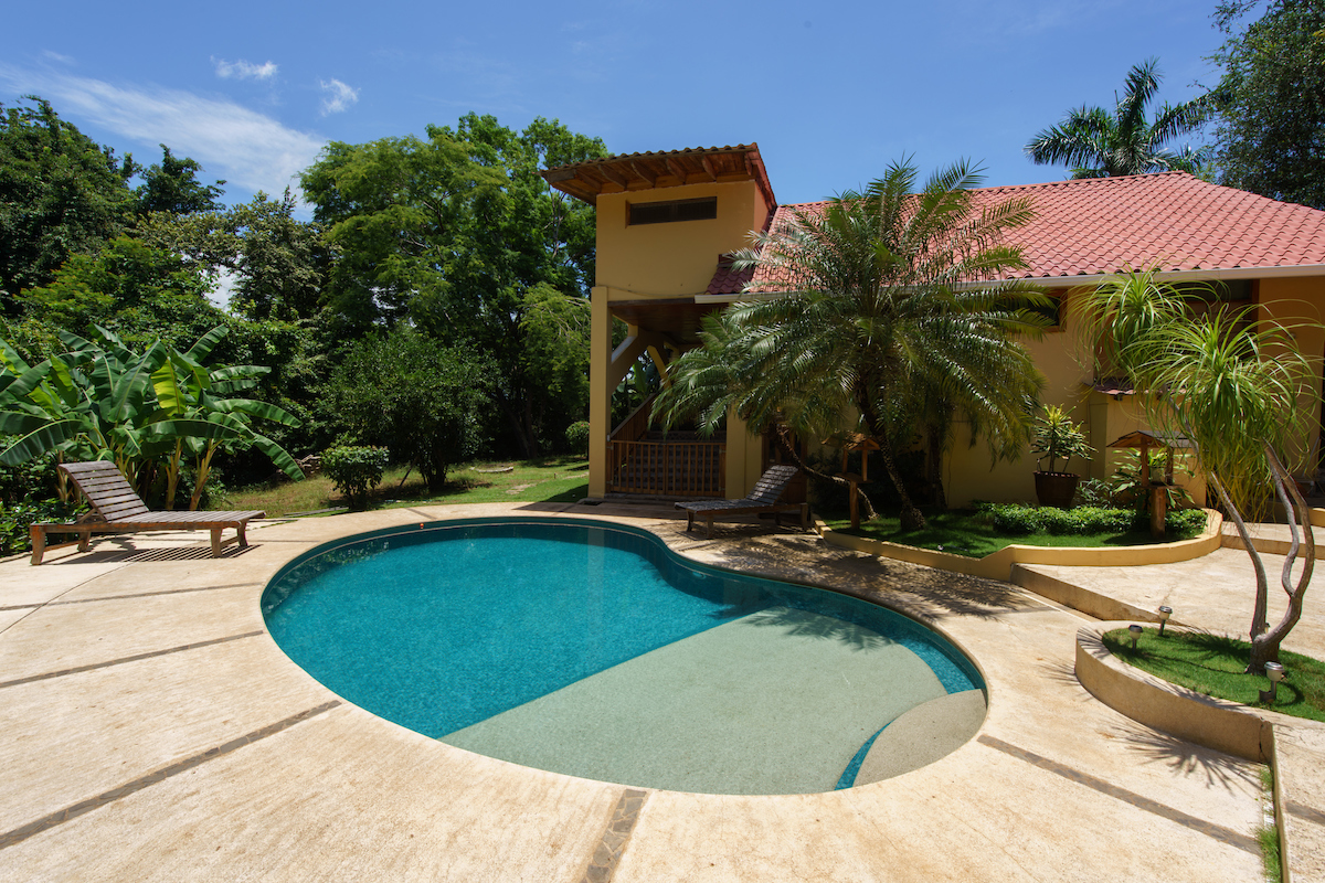 Villa Herrmanita pool