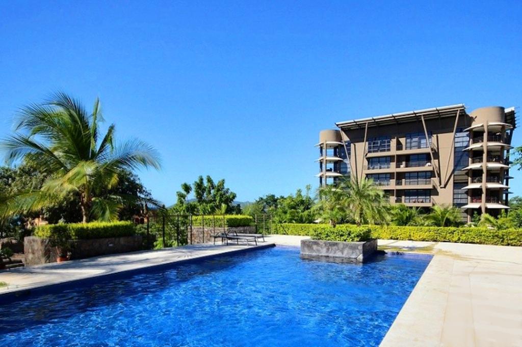 La Perla, ocean view condo complex, Playa Tamarindo