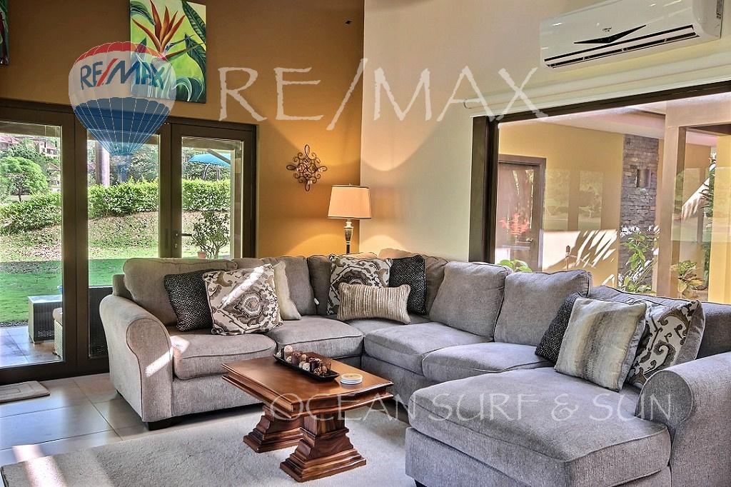 Llama del Bosque 33 - Living room