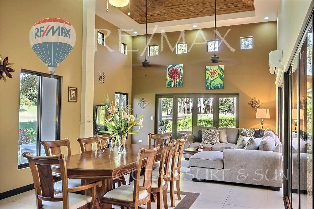 Llama del Bosque 33 - Dining room