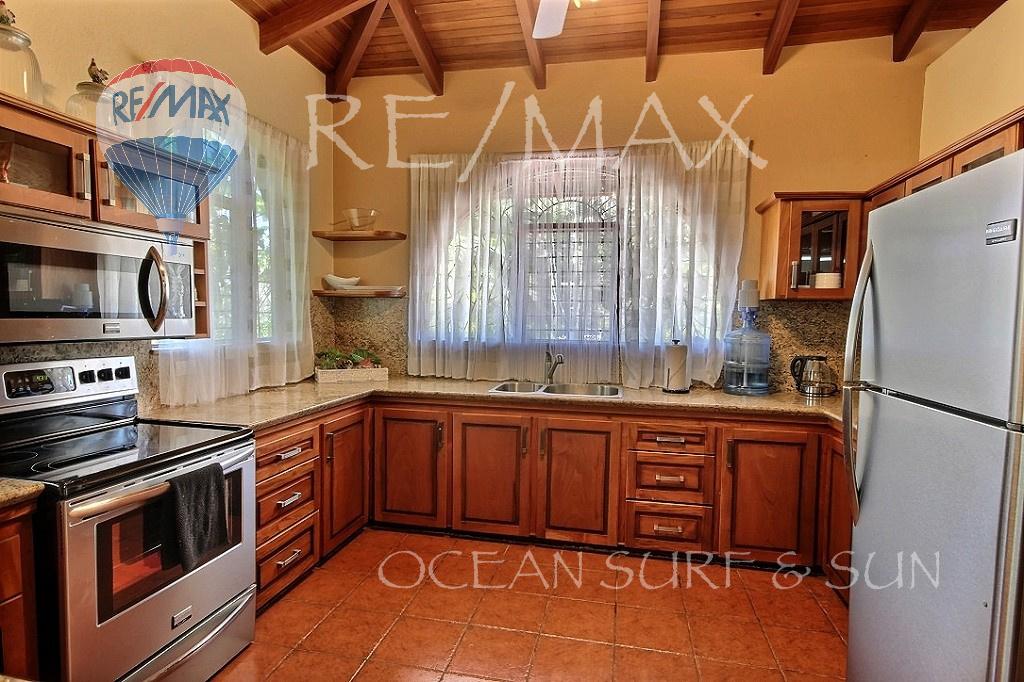 Casa Linda Flamingo - Kitchen