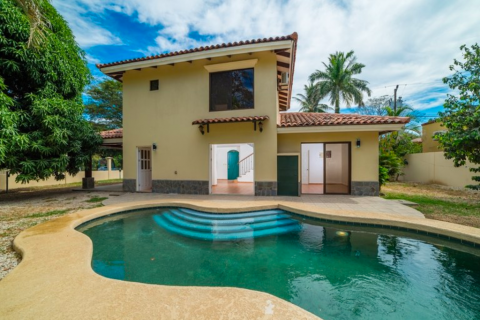 Casa-Norte-three-bedroom-home-with-pool-playa-potrero-potrero-beach