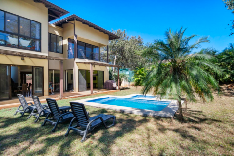casa-palmera-playa-junquillal-tamarindo-surf-beach-nightlife-real-estate-investment-vacation-residence-retirement-property