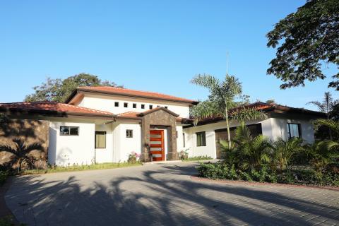 Casa-Cocobolo-Hacienda-Pinilla-Home