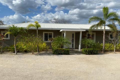 casa-manzana-guanacaste-costa-rica-tamarindo-surf-nightlife-real-estate-investment-vacation-residence-retirement-property