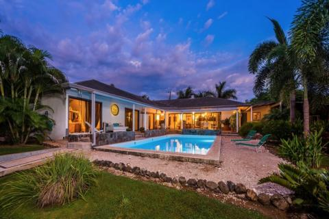 casa-tiberio-tamarindo-surf-beach-nightlife-real-estate-investment-vacation-residence-retirement-property