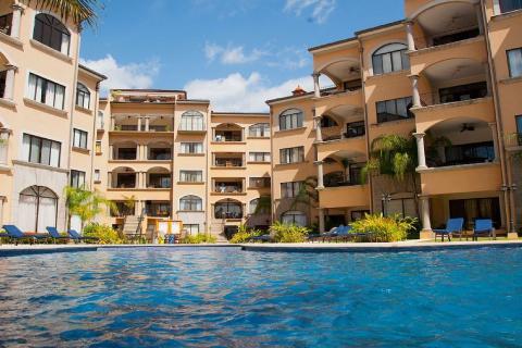tamarindo-sunrise-surfing-vacation-investment-gated-community-walking-distance-travel-expat