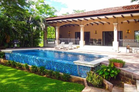 tamarindo-reserva-conchal-surfing-vacation-investment-gated-community-travel-expat