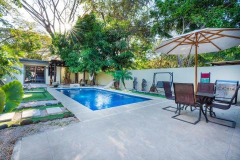 villa-tropical-de-surfside-tamarindo-surf-beach-nightlife-real-estate-investment-vacation-residence-retirement-property