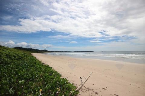 Playa Grande titled beachfront lot, Costa Rica