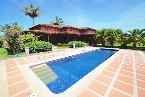 Casa-jardines-hacienda-pinilla