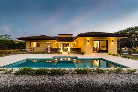 tamarindo-hacienda pinilla-surfing-vacation-investment-gated-community-beachfront-travel-expat