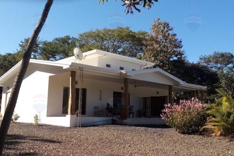villa-pyka-tamarindo-surf-beach-nightlife-real-estate-investment-vacation-residence-retirement-property