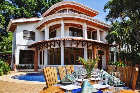 Casa-ixchel-playa-tamarindo