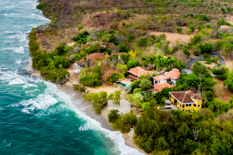 Alma-del-mar-beachfront-home-hacienda-pinilla-4-bedrooms-guanacaste-costa-rica