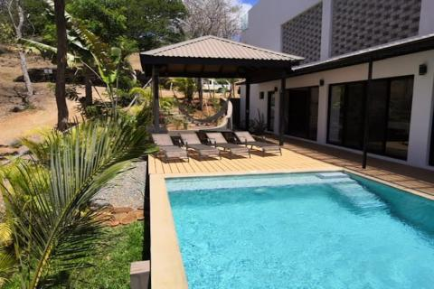 tamarindo-gated-community-surfing-vacation-investment-retirement-home-travel-expat
