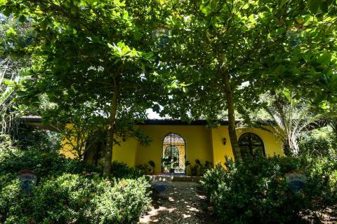 finca-rancho-costa-rica-horse-ranch-equestrian-property-vacation-residence-tamarindo-beach-surf-guanacaste-costa-rica